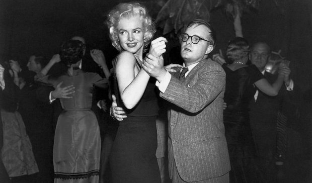 53-41968-truman-capote-dancing-with-marilyn-monroe-1496173545.jpg